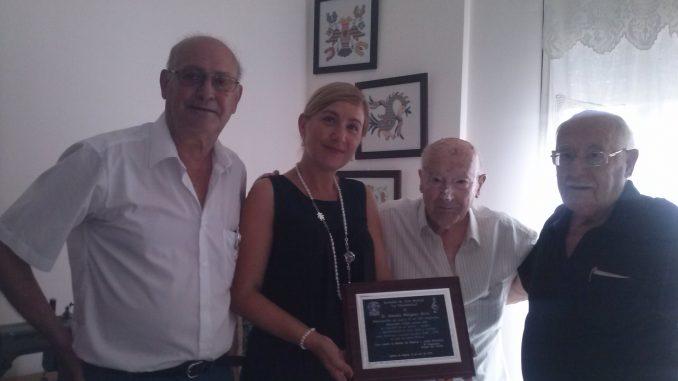 cien años Antonio Minguez