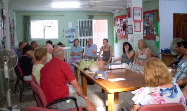 reunión de los voluntarios del banco de alimentos