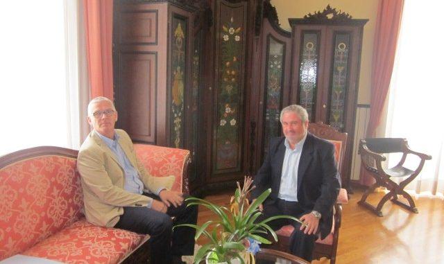 Guillén y cónsul de Noruega