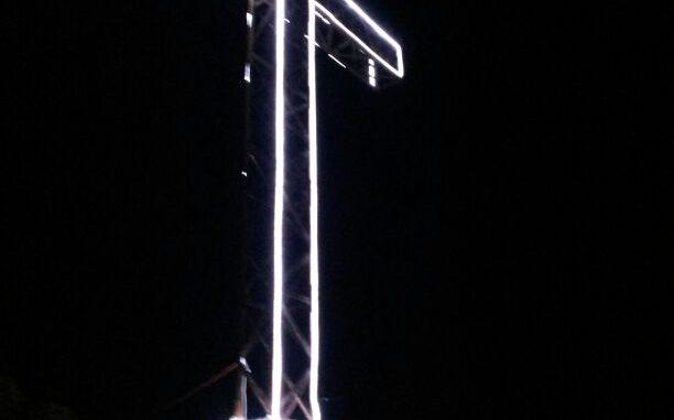 Cruz de la Muela iluminada