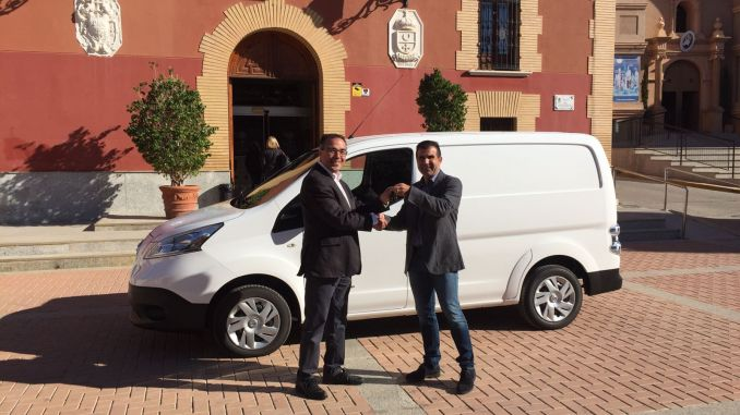 alcalde entrega coche electrico