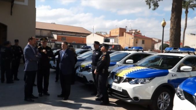 orihuela mayor and local police