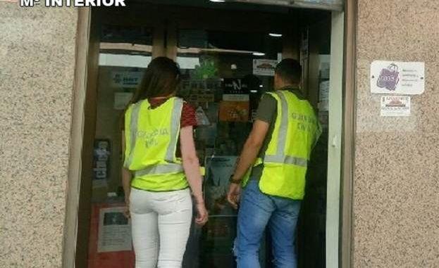 guardia civil checking shop