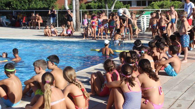 swimming rojales