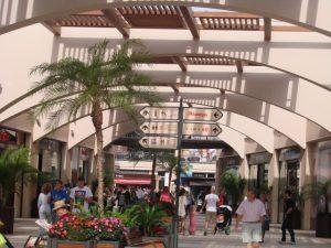 Orihuela, Torrevieja y Pilar podrán abrir sus comercios 38 festivos desde el 15 de junio hasta Reyes