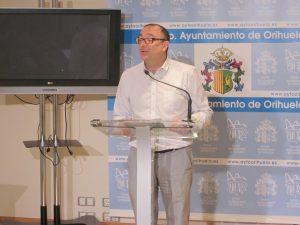 """Zaplana asegura que la pedánea de San Isidro """"jamás"""" ha contratado con el Ayuntamiento de Orihuela"""