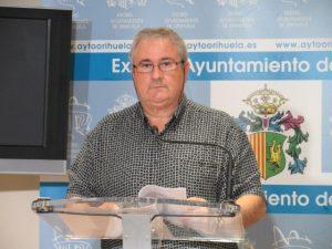 """Guillén: """"Si tenemos que llevar los camiones de basura a la Diputación lo haremos"""""""