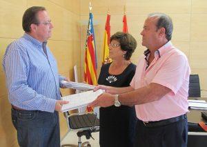Cerca de 11.000 vecinos apoyan la iniciativa municipal para regenerar las playas de Pilar de la Horadada