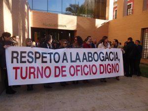 Serafín Castellano se compromete a abonar en enero las deudas al turno de oficio