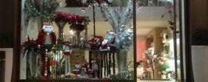 JM Cortinas y Floristería Carmina gana el concurso de escaparates de navidad