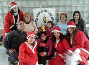 Papa Noel repartió juguetes en el Hospital Vega Baja