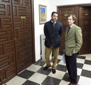 Un notario se persona en el Ayuntamiento para requerir a Guillén la convocatoria de las juntas generales