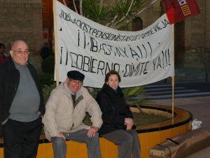 Jubilados y pensionistas se concentran por el derecho a vivir con dignidad
