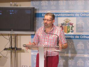 Orihuela tramita 500 expedientes y más de 2.000 entradas en el Registro General de forma electrónica
