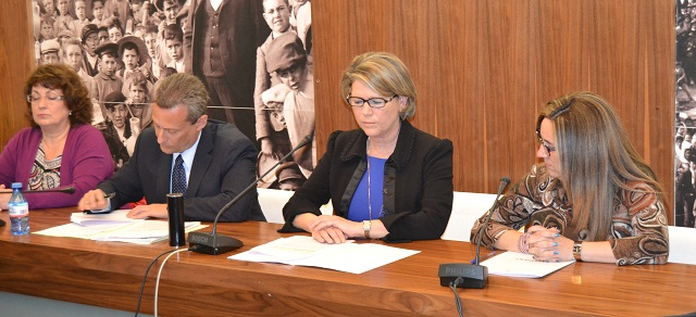 alcaldesa y concejal de Hacienda