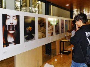 """Catral acoge una muestra para """"reflexionar desde el diseño"""""""