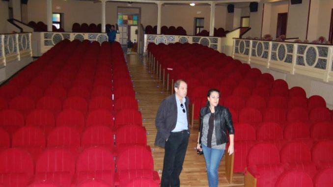 Interior teatro 19dice14