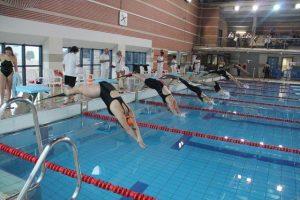 La Diputación destina 10.000 euros para cursos de natación en la comarca