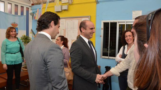 El Secretario autonómico durante su visita a Torrevieja