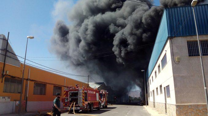 Incendio nave 16may15