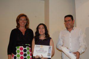 María Torres gana el premio de relato corto del Rotary Club de Almoradí