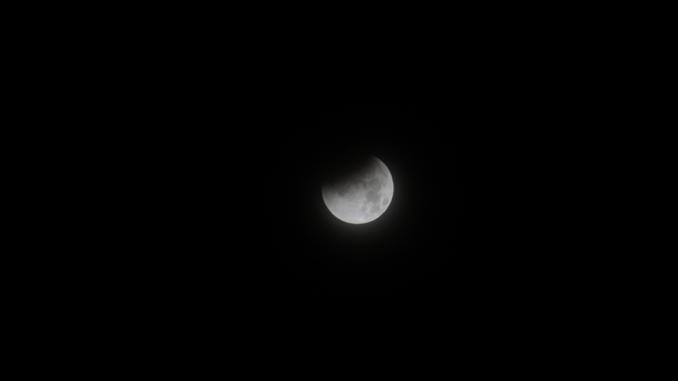 Eclipse total sep15 1 medium