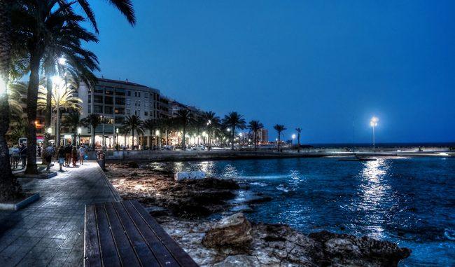 Paseo Marítimo de noche