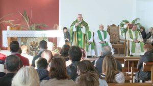 Los Montesinos y San Miguel de Salinas reciben al Obispo