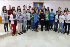 Torrevieja reconoce a los estudiantes premiados por el Consell por su rendimiento académico