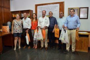 El equipo de gobierno se suma a la ola solidaria de la campaña de recogida de material escolar