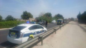 Un turismo se incendia en la carretera de Orihuela a Bigastro