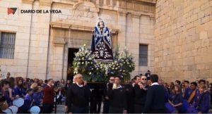 La 'Bajada' de la Virgen de los Dolores anticipa la Semana Santa callosina