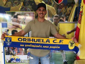 El Orihuela CF apuesta por el talento joven con el fichaje de Viti