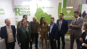 Oltra se compromete con Pineda a solucionar el problema de la gestión de residuos en la comarca de la Vega Baja