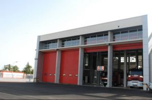 Los bomberos rescatan a siete británicos atrapados en un ascensor en Torrevieja