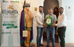 "Festeros a competir por ""La Reconquista del Vidrio"""