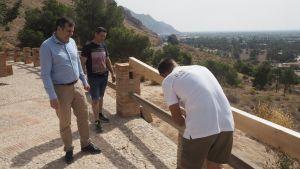 Medio Ambiente repone los elementos sustraídos y dañados en el sendero y mirador del Monte de San Miguel