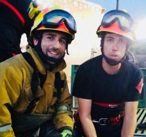 Los bomberos rescatan a una gata tras caer a un canal en La Campaneta