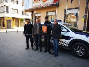 El vehículo patrulla de la Policía Local de Benejúzar es dotado con un desfibrilador