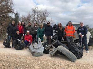 """Almoradí se une a la """"Guerra al Plástico"""" en los aledaños del río Segura"""