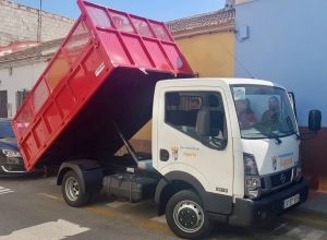El Ayuntamiento de Algorfa completa la renovación de la flota municipal con la adquisición de un nuevo camión