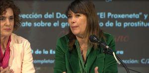 """Mabel Lozano presenta su documental 'El Proxeneta' en Los Montesinos: """"No hay derecho a comprar a ningún ser humano"""""""