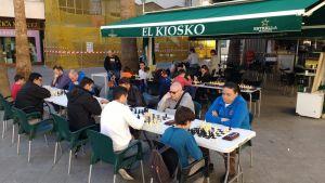 El ajedrez sale a las plazas de Almoradí