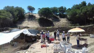 Multan a dos personas con 6.000 euros por utilizar un detector de metales en el yacimiento del Castillo de Guardamar del Segura