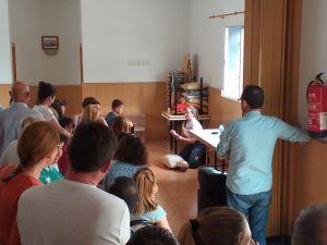 Los vecinos de La Murada reciben un curso de primeros auxilios y aprenden a realizar la maniobra RCP