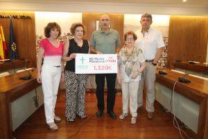 Un deportista de Guardamar dona a la AECC 1.320 euros tras participar en 50 medios maratones
