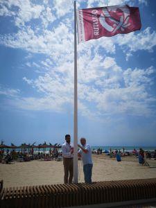 Las playas de Orihuela lucen el distintivo Qualitur que se suma a las Banderas Azules y Banderas Q de Calidad