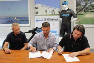 Torrevieja Salud presenta el convenio de colaboración con el Club Ciclista de Torrevieja