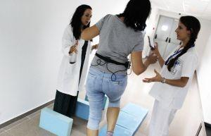 El Hospital de Torrevieja incorpora un novedoso sistema de rehabilitación para pacientes con vértigo