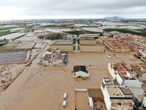El banco Sabadell cede 22 viviendas a los afectados por la gota fría en la Vega Baja